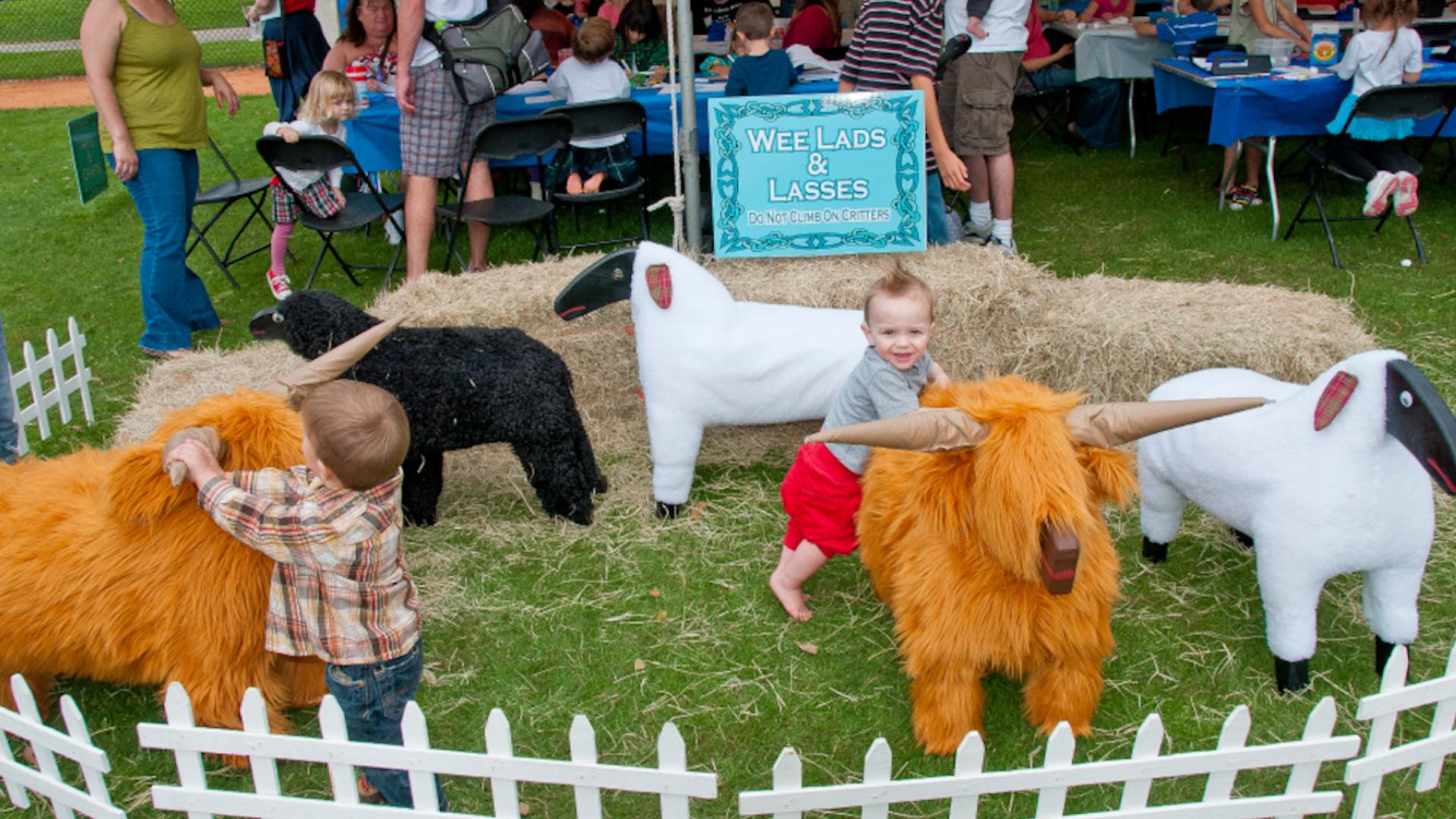 Cliquez ici pour en savoir plus sur Kilt & kids Village